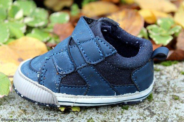 """0e347dc8ca Irrtum 3: """" Passende Schuhe sind gleichlang wie die Füße."""""""